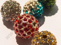 Бусины с кристаллами
